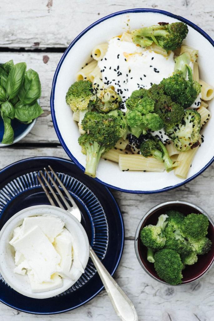 Pasta mit Joghurt und Brokkoli